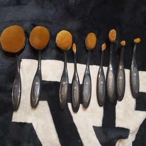 ABH oval face brushes